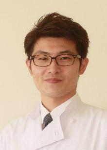 〈医師〉鈴木 隆二(医学博士)